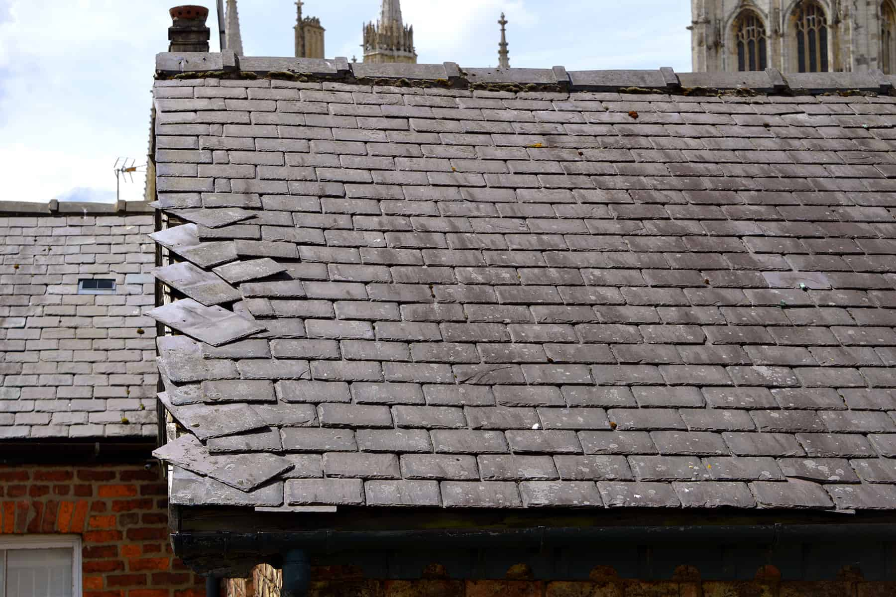 wind damage roof insurance claims