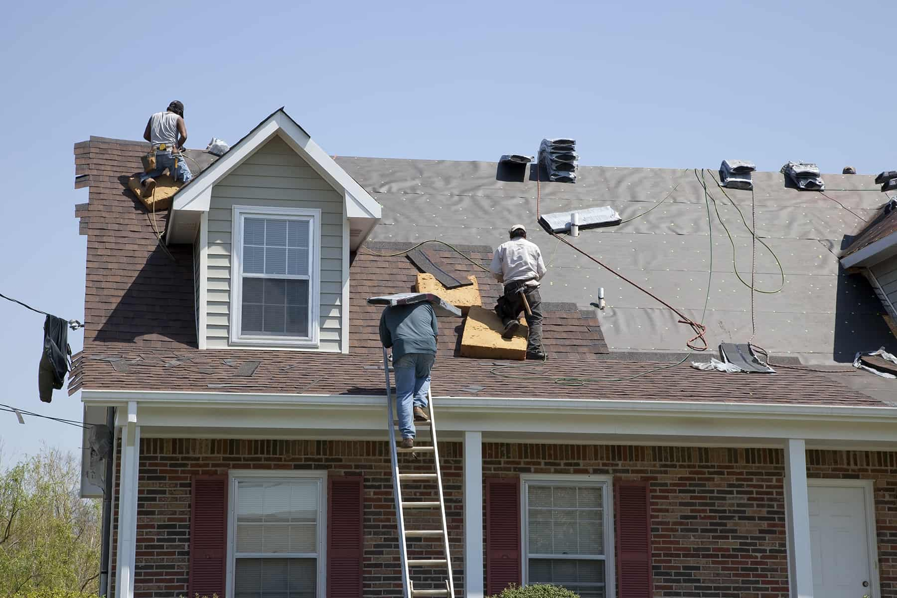 How To Get a New Roof in 2019 (Roof Calculator Included)
