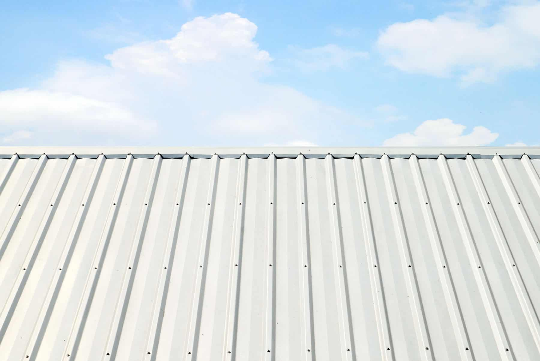 how long do metal roofs last