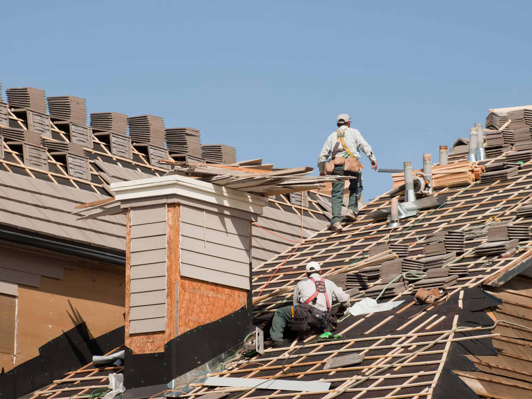 when to replace roofing