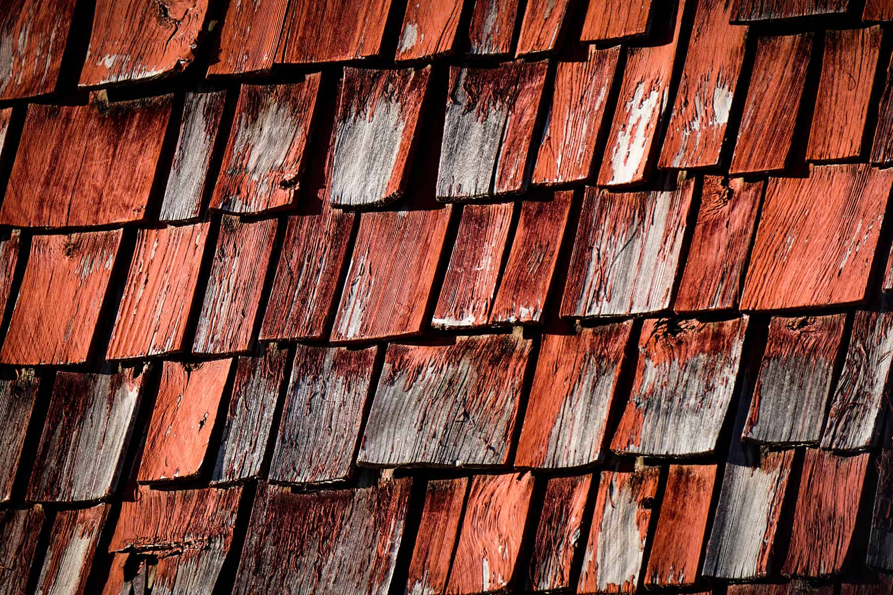 does homeowners insurance cover roof leak