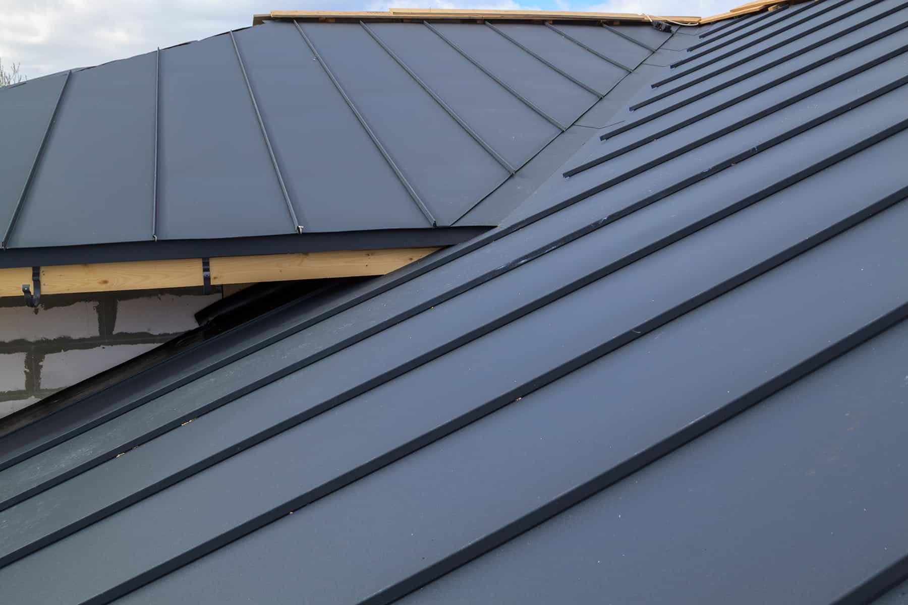 filing a homeowners insurance claim for roof damage