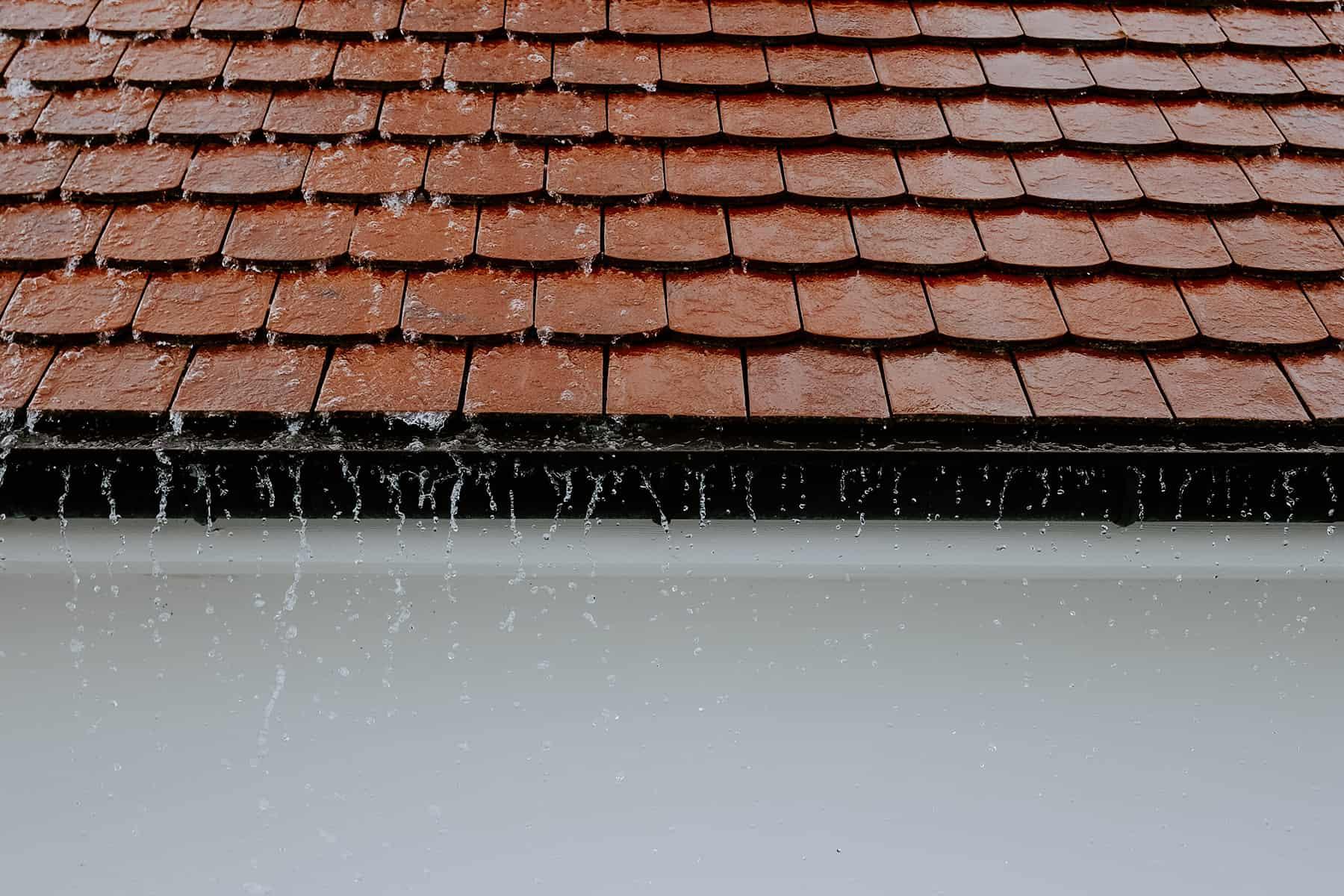 ремонт утечки крыши
